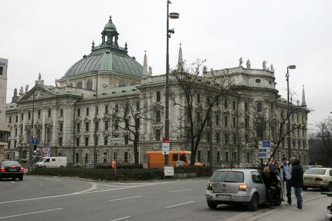 palacio-munich.jpg