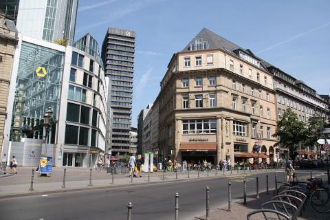 plaza-en-frankfurt.JPG